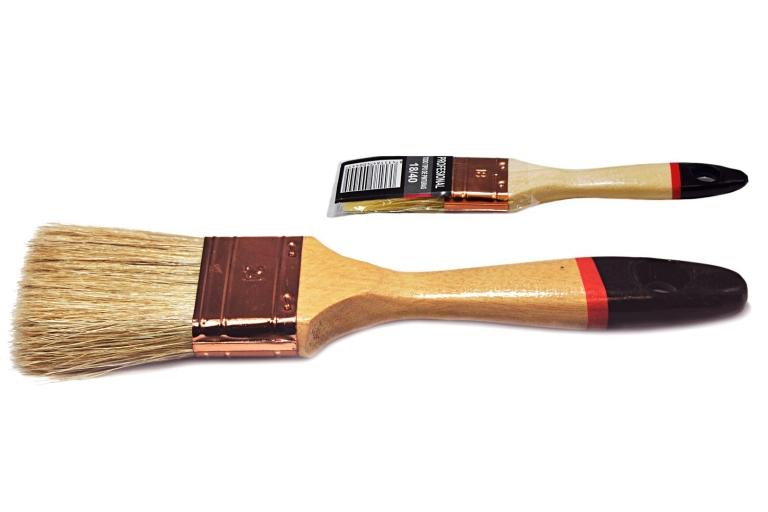 Paletina profesional con mango de madera barnizado, punta negra/roja y cerda