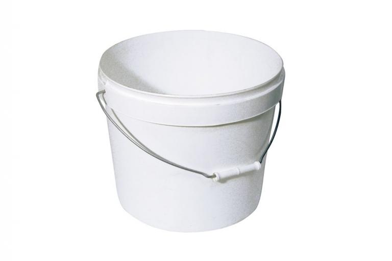 Cubo de polipropileno blanco con tapa